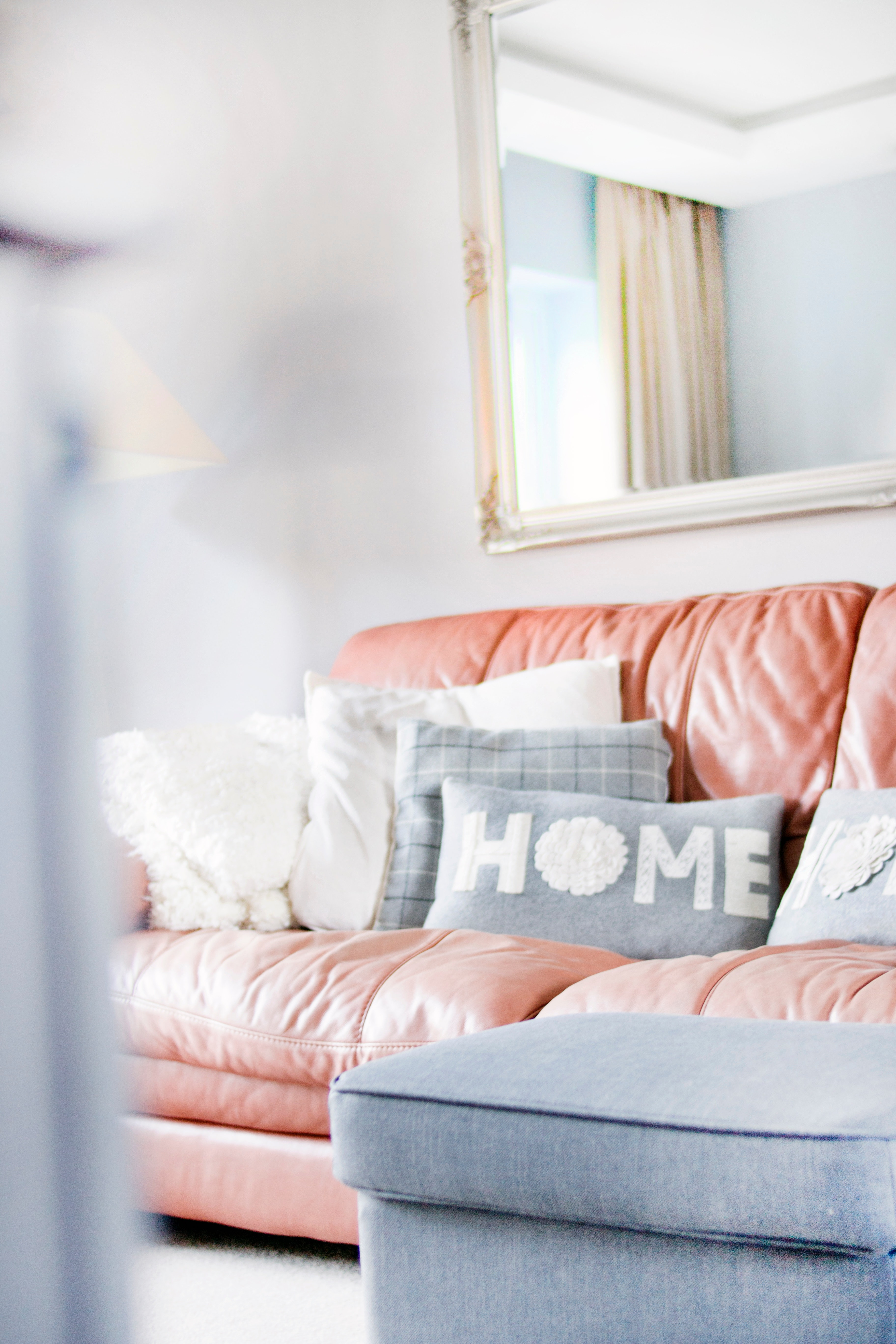 contemporary-cozy-decor-895227